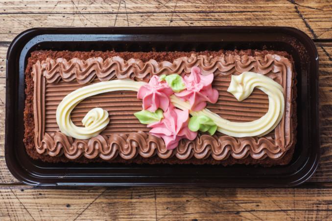 torte rettangolari decorate con cioccolato, torte rettangolari